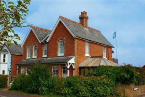 ruskin-lodge-bed-and-breakfast-freshwater-bay-isle-of-wight