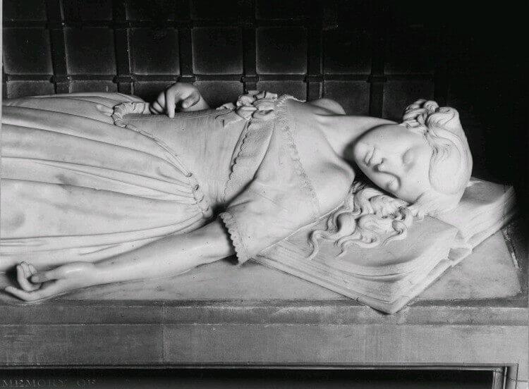 Princes Elizabeth Monument Newport Isle of Wight