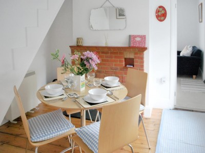 1 Bay Cottage, Gurnard, Cowes, Isle of Wight