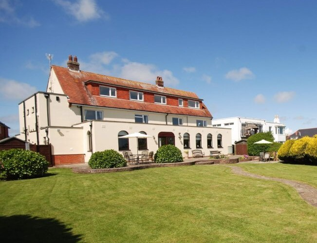 SPOTLIGHT on The Maclaran, Shanklin – ADULTS ONLY – Ferry inclusive – Late Deal/Short Breaks SEPTEMBER & OCTOBER 2017