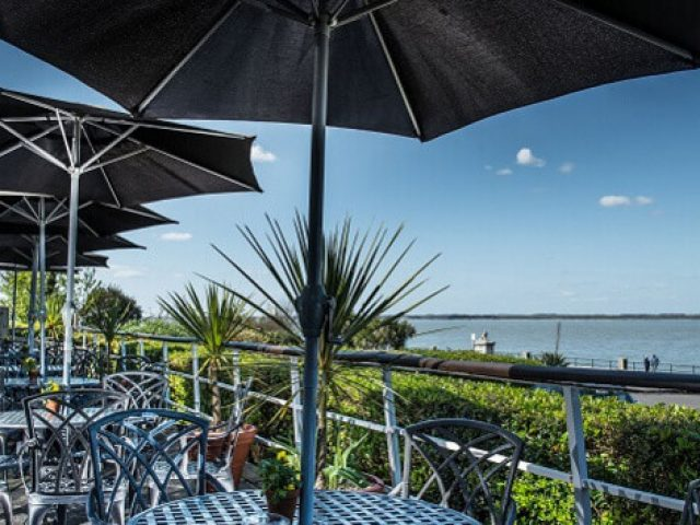 New Holmwood Hotel, Cowes, Isle of Wight