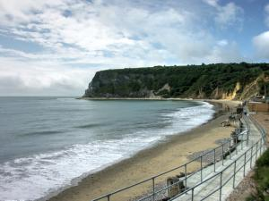 Whitecliff Bay, Isle of Wight - Away Resorts
