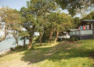 woodside-coastal-retreat-iow-2